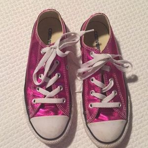 """Good used condition pink """"metallic"""" converse💕"""